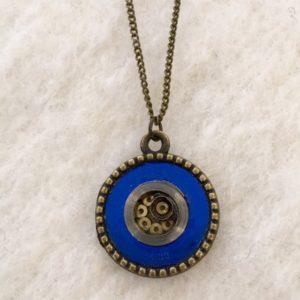 pendentif ressort bleu